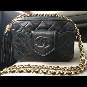 Sold😍Authentic Chanel vintage camera bag black😍